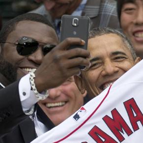 オバマがサムスン製品ファンに転向? ギャラクシーノート使用でappleは…