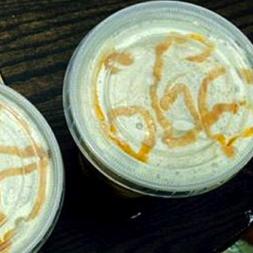 スタバが「悪すぎる」カフェアートで炎上 店員が描いたものがヤバい…!?