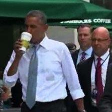 オバマ大統領がスタバで「暴れん坊将軍」 観光客らがまさかと絶叫!