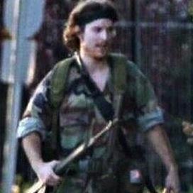 「カナダのランボー」が警官3人殺害 SWAT隊らが武装した男と山で交戦中
