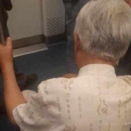 老人が電車にイス持ちこみ「若者は疲れてる、座らせてあげたい」が美談と話題に