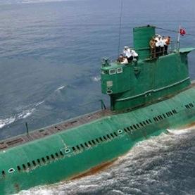 北朝鮮 金正恩氏の潜水艦がボロい… それでも「無慈悲に攻撃せよ」と怪気炎