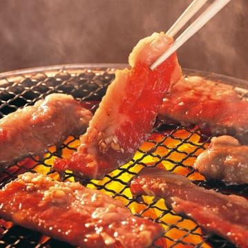 ローマ教皇訪韓で昼食はカルビ定食 炭火焼肉、キムチ、ごはんのセット