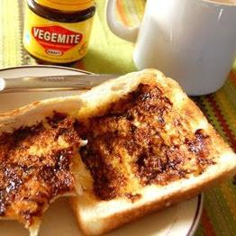 この写真どこの国の朝食かすぐわかれば天才! ヒントはなぜ逆さまなのか…