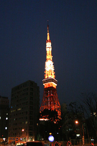 ※東京タワーとスカイツリーもほめとけば、東京人は喜びます!