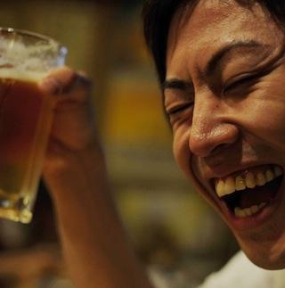 激安居酒屋の汚い「バケツ・ビール」に注意 客の飲み残しを集めた不衛生ビール