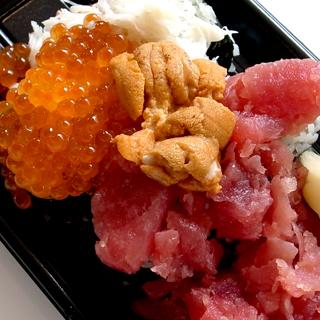 羽田空港で搭乗3分前にかきこめる「ぶっこみ寿司」が豪華すぎて美味っ!