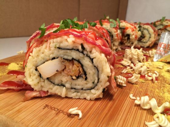 ※よく見てみると、寿司のシャリ部分が麺になってる!
