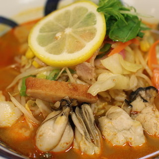 リンガーハットのトムヤムクンちゃんぽんはタイ人も絶賛 高級なカキの味わいが冬に美味しい