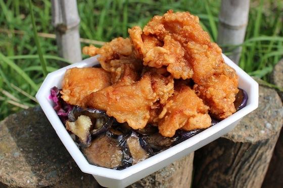 牛丼業界で話題になっている、なか卯の豚生姜丼。