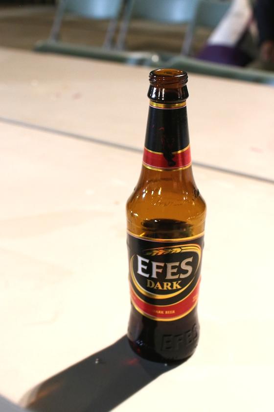 めずらしいトルコワインにビールも楽しめる。