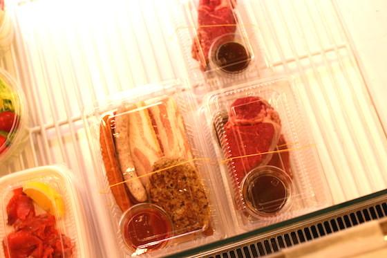 肉メニューも人気。