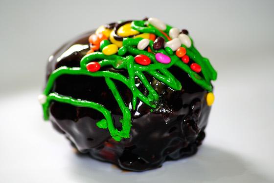 バレンタインチョコを食べたら、急にあの子にトキメクように…それハメられましたね!