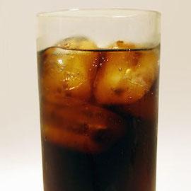 ダイエットコーラは4倍太る研究結果 腸内細菌が変化する影響、米国の高齢者をリサーチ