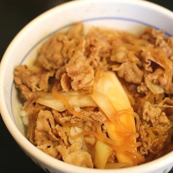 なか卯の和風牛丼が復活でファンも「グスッ…」 すき焼き翌日、お母さんがのこりで作った弁当の美味さ!