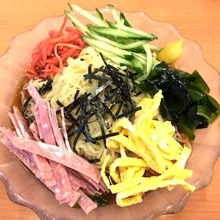 日高屋が最速で冷やし中華はじめました! 陽気のいい日には嬉しい、黒酢きいたスッキリ極美味!!! 冷やし中華のフラゲが幸せすぎる〜!!!