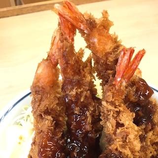 かつやの海老フライ丼はまさかの標高25cm超えで美味い!!!  エビ5本にふんだん濃厚マヨ&ソース、尻尾の先までカリッカリ!!!