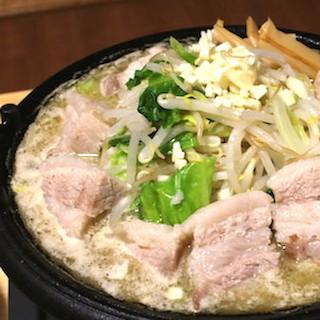天下一品スープでラーメン二郎風のちゃんこ作ると美味すぎる!!!! 天一であり二郎でもあるような最高の鍋料理が爆誕!!!!!