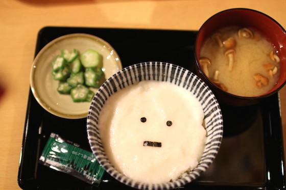 キャラ飯界のE組と言われるヌルネバ膳(720円)。