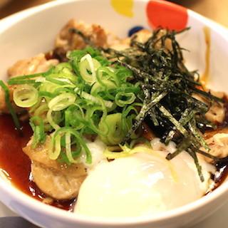 松屋「てりたまチキン定食」ネットリ美味さに女性ら絶賛 トロトロ卵からめた鳥肉を和風ソースで、ご飯が進みまくったよ!