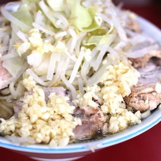ニンニクマシマシで食べる人は老けないと判明 老化防止、脳細胞損傷を防いでた ジロリアンの若さの秘密!