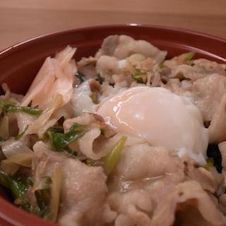 """ラーメン二郎が""""スタミナ丼""""を限定販売、音楽フェスで 栃木街道店が提供、二郎仕込みの豚丼とあぶり豚を販売…これって天国の味でしょ!"""