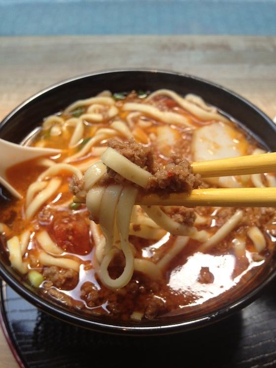 真っ赤なスープが超美味い。