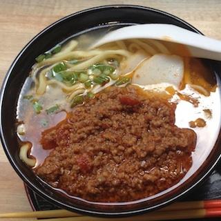 タコベルにもない「タコスそば」が美味すぎる! ひき肉とトマトの酸味が激美味マッチ、銀座の沖縄アンテナ店が出す至高メニュー