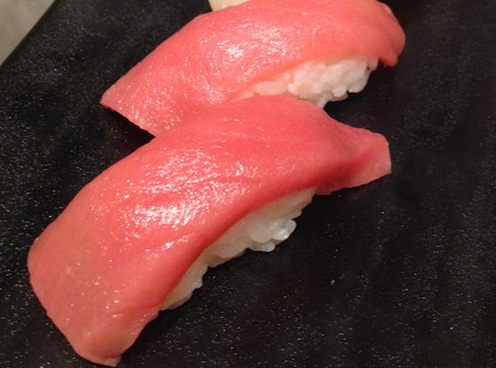 どこの国に行ってもお寿司は人気。でもその魚は本当に…?