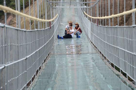 話題になったこの橋が、割れた!