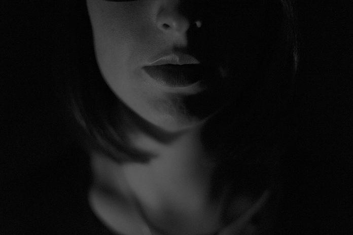 女スパイイメージ