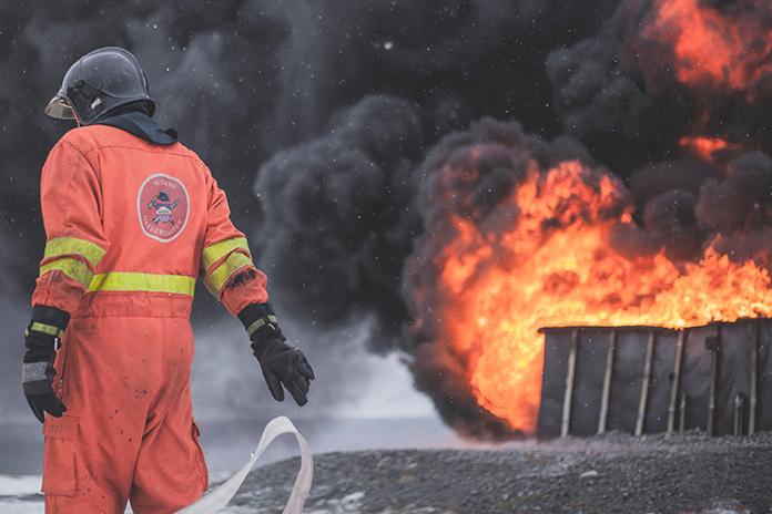 わいせつ動画広告消そうとした消防士が転落死のミステリー 高速道路で起きた不可解な悲劇