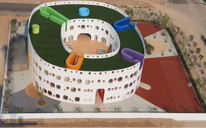中国の幼稚園がデカすぎる、東京ドームの3分の1サイズ 園児が建物内で迷子になる大きさだと話題に!