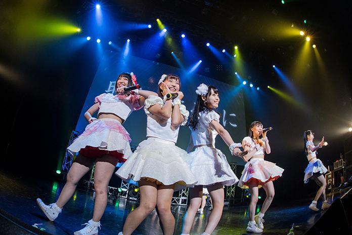 FES☆TIVE赤坂BLITZワンマンライヴ、満員&感動のるつぼに この夏のアイドルイヴェントのフィナーレに相応しいパフォーマンスを披露