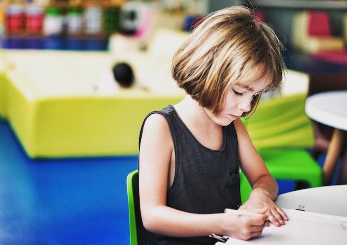LINE、学校用の情報モラル教育教材を開発 「SNSノート(情報モラル編)」無償提供