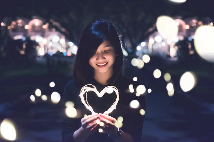 【大人の関係・経験人数】30代男性の3人に1人が「未経験」、20代女性は4人に1人が「6人以上と」 男女の恋愛経験に大きなへだたり