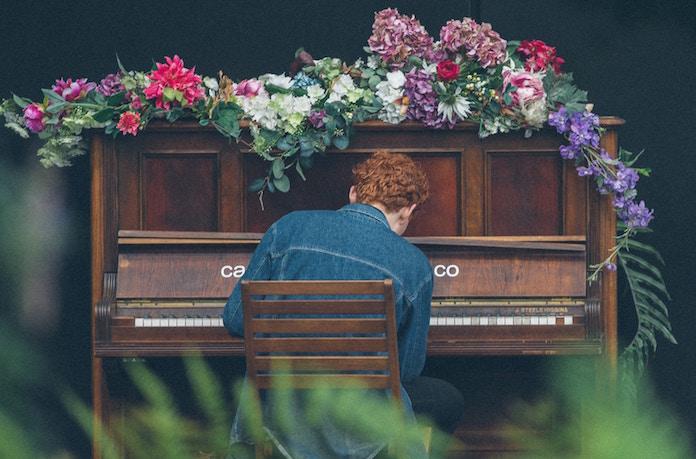 ヤマハがピアノ端材使ったクリスマスツリー展示 森づくりの活動の認知拡大と活性化を目的