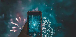 年賀状に動画をつけるサービスが人気