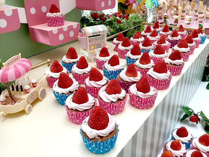ストロベリー・カップケーキ