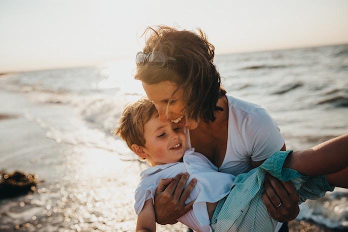 成人式は子から親へ、親から子へ感謝を伝える絶好の機会 どうやって伝えるのが効果的?