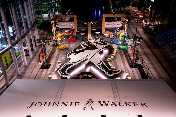 ジョニーウォーカー巨大BARが渋谷駅前オープン GW前から多くの人が訪れる人気スポットに