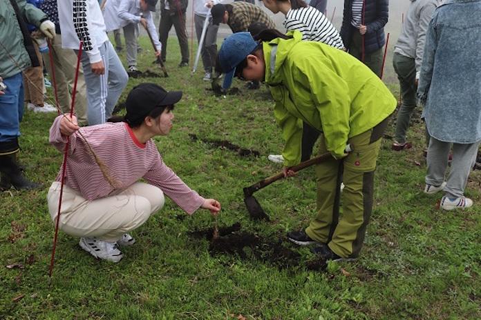 【CSR】ファンケルが新入社員教育に環境活動・水源エコプロジェクトに今年も参加