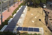 大阪経済大学に自家消費型太陽光発電の様子