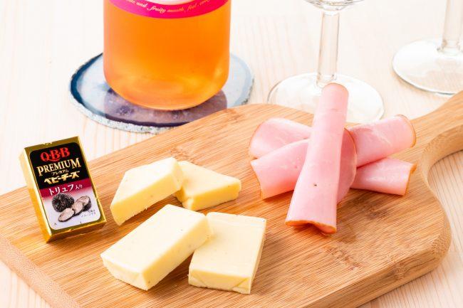 ベビーチーズシェアNO.1ブランドから、絶品おつまみ『Q・B・B プレミアムベビーチーズ トリュフ入り』が新登場!