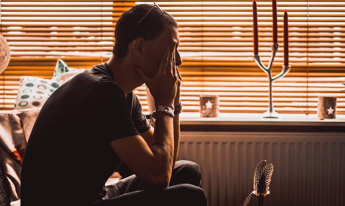リモートワークで体調不良が増えている? 「自粛痛」にはいち早いケアが大切